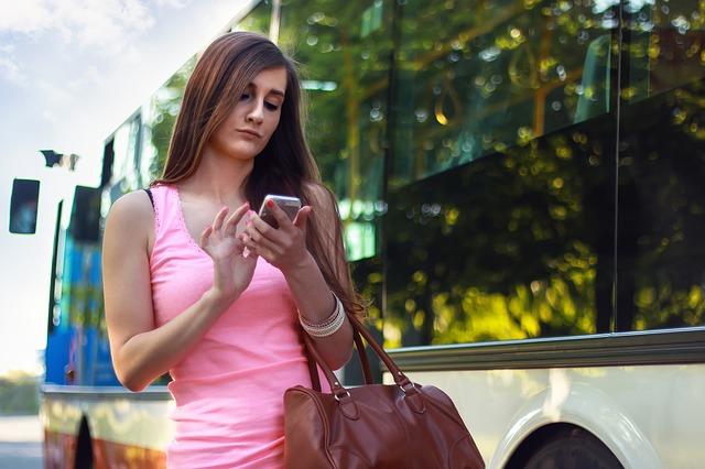 žena u autobusu.jpg