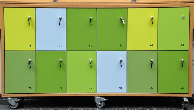 skříňka na kolečkách