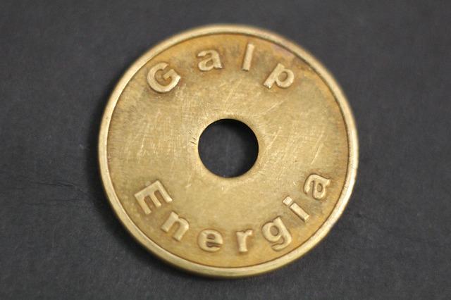 mince s dírou, amuletmince s dírou, amulet