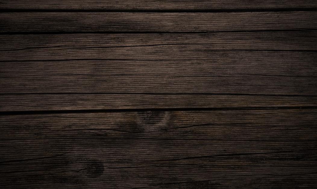 tmavší dřevo